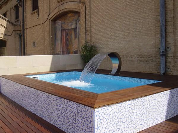 De piscinas reparacin de piscinas sin vaciar with de for Presupuesto construccion piscina